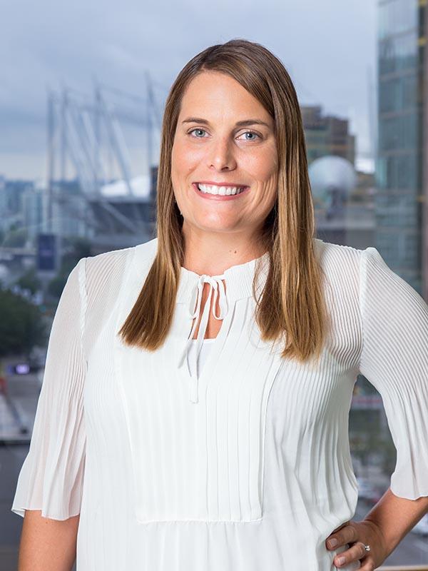 Jessica Miles, Senior Recruiter and Headhunter for Goldbeck